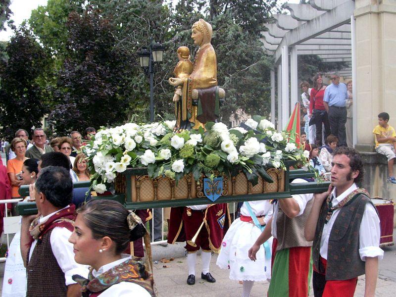 800px-Virgen-de-Valvanera-en-San-Mateo