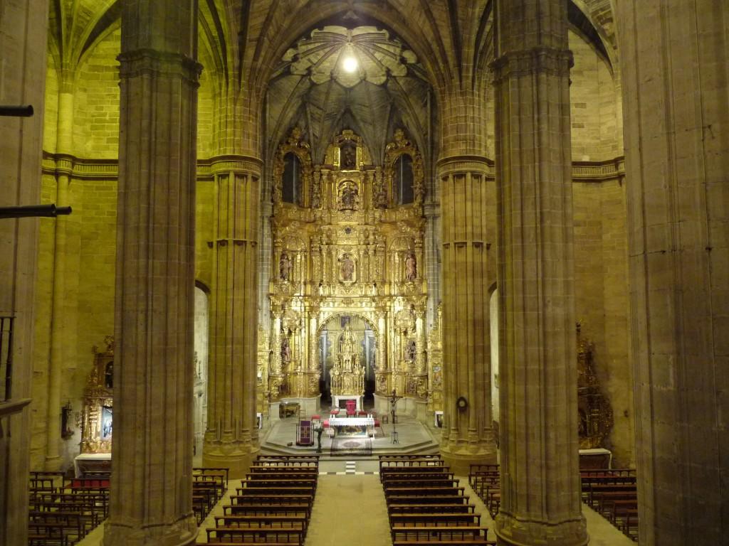 Iglesia_de_Santo_Tomás_-_Vista_interior_general
