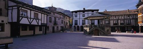 ezcaray plaza